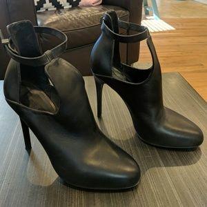 Vince italian leather high heels